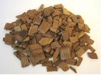 Dřevěné chipsy na ochucení a barvení alkoholu